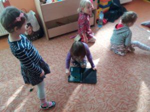 Programowanie dla dzieci zrobotami Dash iDot wJęzykowej Szkole Podstawowej Młody Kopernik iPrzedszkolu Michałek wWałbrzychu 06