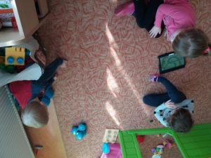 Programowanie dla dzieci zrobotami Dash iDot wJęzykowej Szkole Podstawowej Młody Kopernik iPrzedszkolu Michałek wWałbrzychu 02