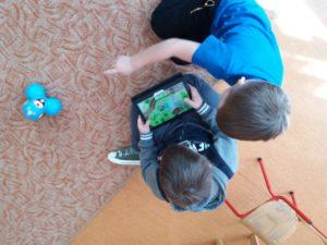 Programowanie dla dzieci zrobotami Dash iDot wJęzykowej Szkole Podstawowej Młody Kopernik iPrzedszkolu Michałek wWałbrzychu 01