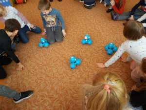 Zajęcia zrobotami wJęzykowej Szkole Podstawowej Młody Kopernik wWałbrzychu