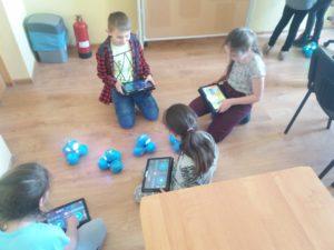 Aplikacja Wonder i roboty Dah i Dot w Szkole Podstawowej w Świebodzicach